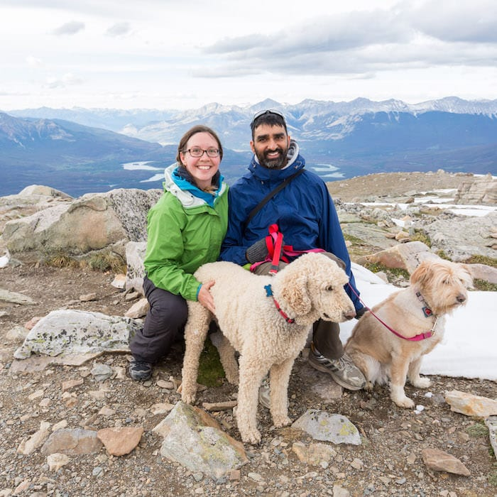 Picture of photographers Sunny & Jess of Deep Blue Photography from Jasper Tours